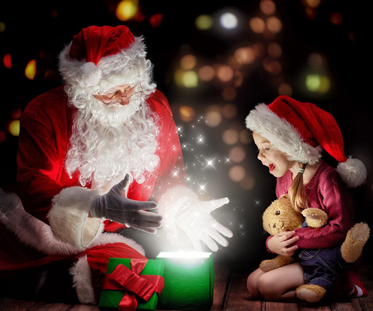 Holidays_Christmas_Toys_457961_1400x1050